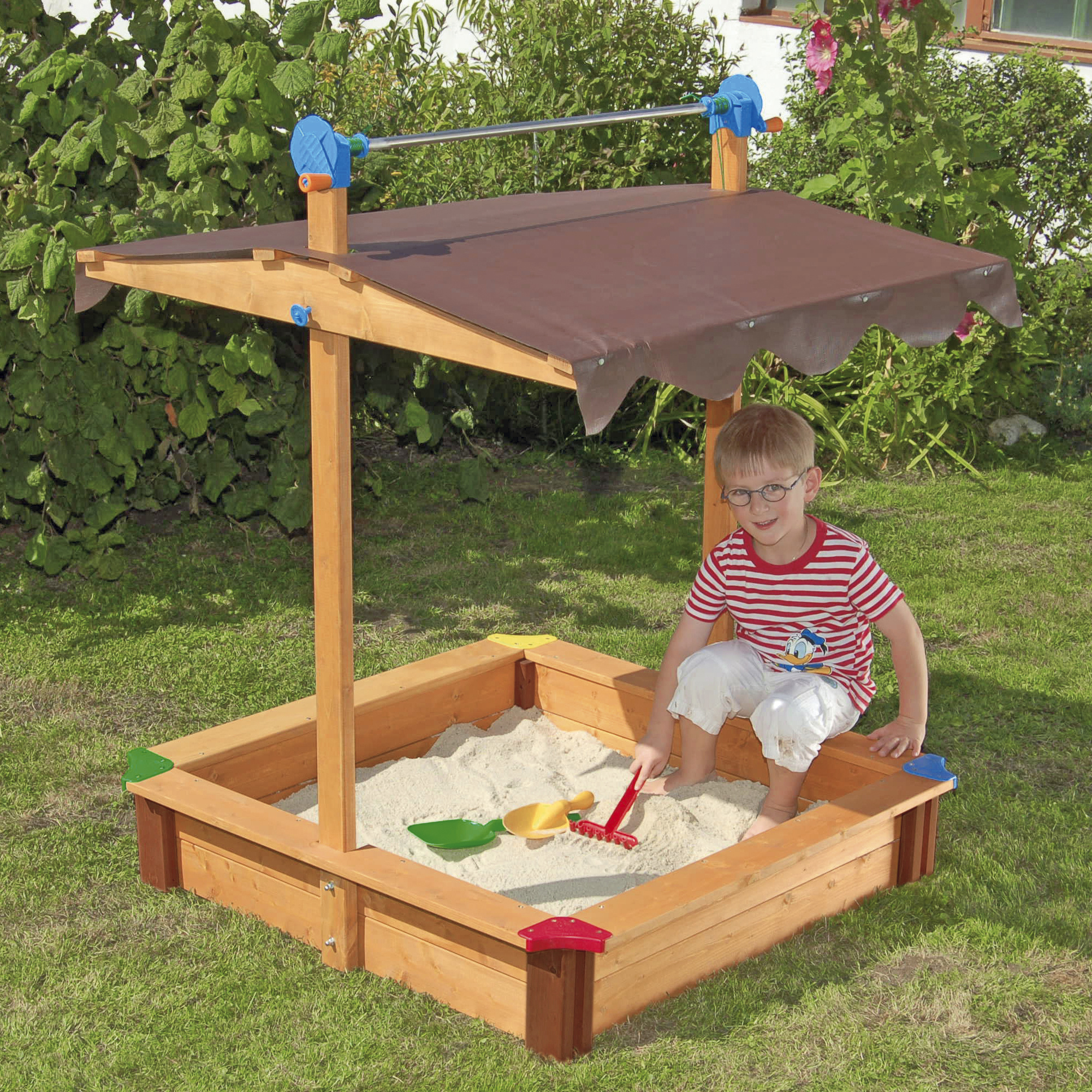 Как построить детскую песочницу своими руками 71
