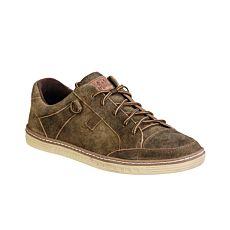 Sneaker pour hommes idéal à porter avec un pantalon bavarois en cuir