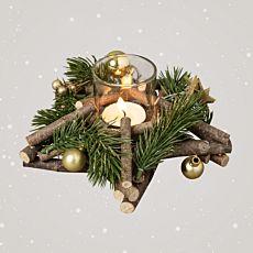Sternenkranz aus Holzästen mit Windlichtglas