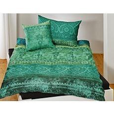 Linge de lit orné d'un motif indien et une Garniture en satin