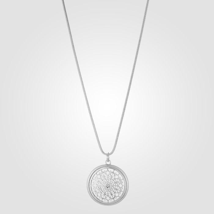 Collier avec pendentif-amulette