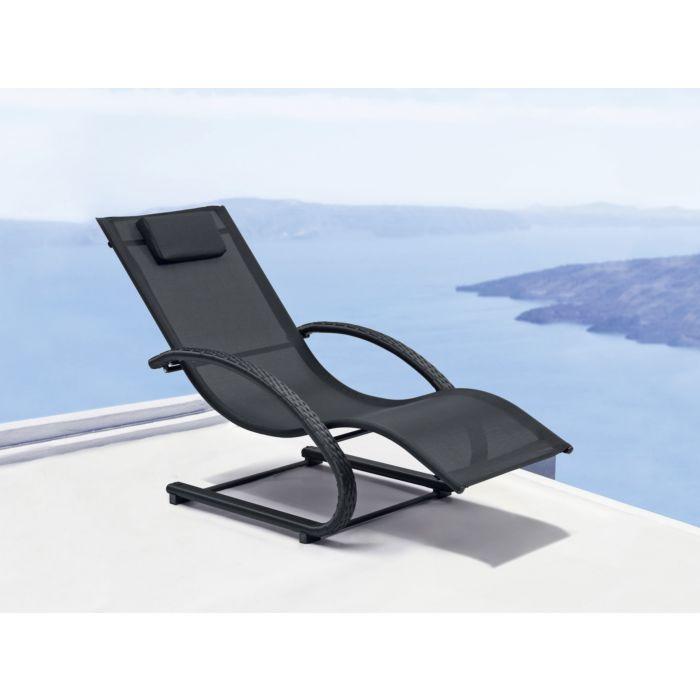 Chaise longue à accoudoirs en cannage synthétique