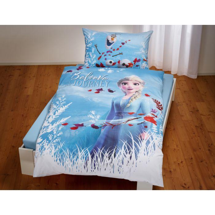 """Bettwäsche """"Die Eiskönigin"""" mit Elsa und Olaf auf hellblauem Hintergrund"""