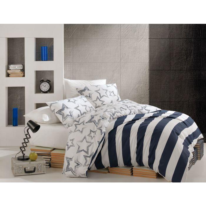 Linge de lit agrémenté de larges bandes marine-blanc et d'étoiles
