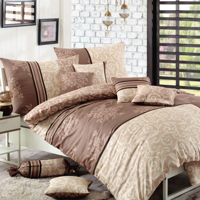 Linge de lit orné de fleurs délicates et d'un motif décoratif, brun et beige