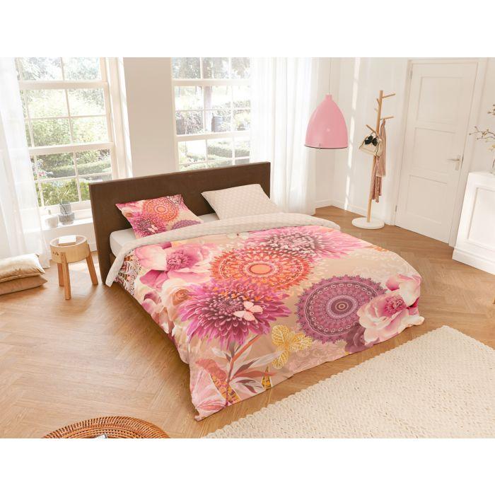 Linge de lit avec motifs de mandala et de fleurs dans les tons de rose