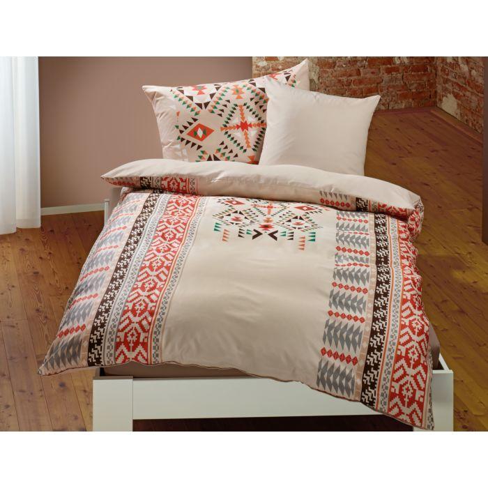 Bettwäsche mit Ethno Muster auf beigem Untergrund